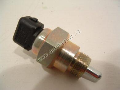 Čidlo zpátečky  FELICIA 1,3/ FABIA/OCTAVIA CZ; 002945415(2506)