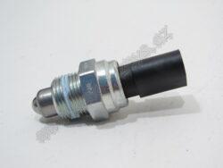 Spínač zpátečky Octavia M20x1,5 VERNET ; 02K945415-OCT 97-00 pro vozidla s táhlem řazení 1U-W-133 668
