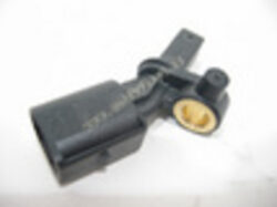 Snímač otáček kola ABS Fabia zadní pravý ; 6Q0927808B-FAB 00-04/05-08 / FAB2 07-08  6Q0927808B           6Q0927808A           WHT003862