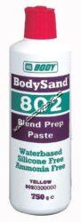 Brusná pasta BODY 802 - 750g - odstín bílá-Vodou ředitelná brusná pasta bez obsahu silikonu,čpavku a vosku./brPoužívá se na jemné přebroušení starých nátěrů a vytváří dobře přilnavou plochu pro nový nátěr./brMůže být používána místo obvyklých mokrých nebo suchých brusných papírů..brNanáší se pomocí vlhké houby.