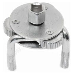 Klíč na olejové filtry stavitelný 09407-Univerzální klíč pro montáž a demontáž olejových filtrů. Pro filtry o průměru 65 - 125 mm. Vhodný i pro auta se zúženou pracovní oblastí. Celokovová konstrukce, povrchová úprava, zdrsnění (zuby) na upínacích ramenech pro pevný záběr při uvolňování nebo utahování olejového filtru. Klíč se nasadí na olejový filtr a pomocí ráčny (1/2) nebo stranového či nástrčného klíče (21mm) se olejový filtr utáhne či povolí.