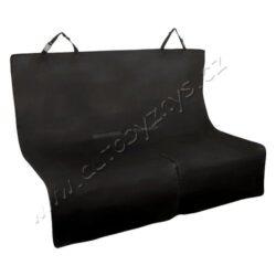 Deka ochranná do auto pro psa-Ochranná deka ze zesíleného materiálu, zabraňuje znečištění vozu při přepravě psů.  Deka je určena k upevnění na zadní sedadlo jednoduchým zavěšením za opěrky hlavy. Dva uzavíratelné otvory na bezpečnostní pásy, dolní část dělená zipem pro snadné přizpůsobení deky různým vozů. Deka je omyvatelná, použitý materiál odpuzuje nečistoty i vlhkost.  Velikost deky 140 x 140 cm.